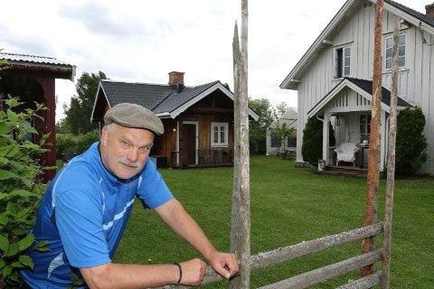 HAGEN:  Hagen med hovedhus, overnattingshus og den tidligere potetkafeen åpnes nå for hagepartyer. – Jeg har lyst til å bruke hagen til noe, sier Bjørn Vidar Sletten. Hagen fortsetter  bak hovedhuset til høyre. ARKIVFOTO