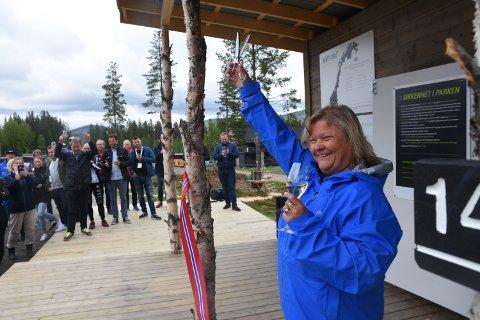 OFFISIELT ÅPNET: Eva Ruder Thorén, daglig leder i Trysilguidene, sto for den offisielle åpningen av Høyt & Lavt Trysil torsdag.