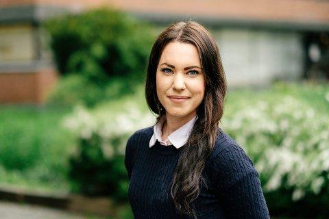 MISTET JOBBEN PÅ GRUNN AV SYKMELDING: Sosionomstudent Hilde Mari Bjørke mistet jobben i Sykehuset Innlandet fordi hun var sykmeldt. Nå har hun fått penger og en beklagelse.