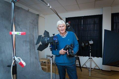 50 ÅR: – Om noen hadde sagt til meg i 1968 at jeg fortsatt skulle drive med foto i 2018, så hadde det vært uvirkelig, sier Per Holland. Foto: Jo E. Brenden