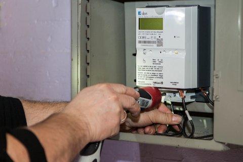 Lyse varsler at de kan si opp strømavtalen med kunder som ikke aksepterer de nye målerne. Illustrasjonsfoto: Paul Kleiven / NTB scanpix