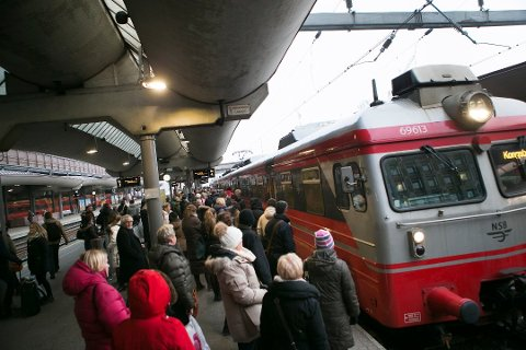 Har perrong, mangler tog. Slik kan det ikke fortsette, mener Miljøpartiet De Grønne. Foto: Heiko Junge, NTB scanpix/ANB
