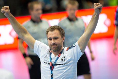 JUBLER: Elverum-trener Michael Apelgren kan nok en gang juble for to poeng etter at finske Riihimäki Cocks ble slått 28-25 i lørdagens mesterligamøte.