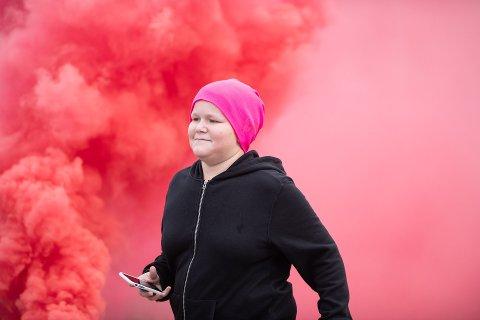 ROSA FEST: Rosa røykbomber må til. Foto: Lars Bryhn Nyland