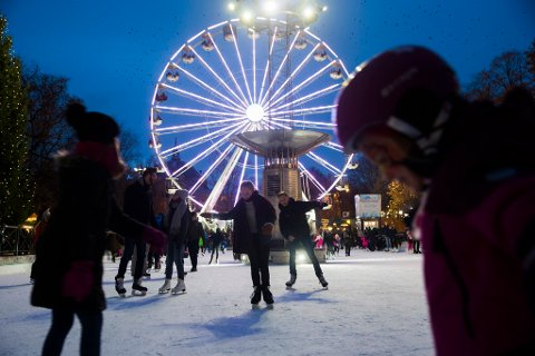 TROR PÅ HVIT JUL: Snøen som faller på Østlandet kan bli liggende til over jul, tror meteorolog Kristen Gislefoss i Meteorologisk Institutt. Foto: Berit Roald (NTB scanpix)
