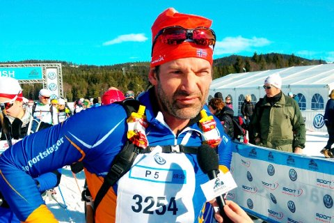 LYKKEBOKSER: Jon Almaas reddet seg over fjellet med lykkebokseren til Thomas French fra Rena. Bildet er fra fjorårets Birkebeinerrenn