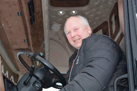 LEGGER OM DRIFTEN: Daglig leder og medeier Tore Velten opplyser at Tamnes Transport legger om driften. I stedet for faste ruter for Schenker skal det satses mer på anleggstransport.