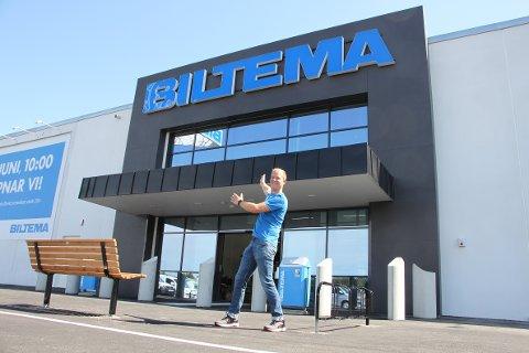 – DETTE HAR VI KJEMPET FOR: Markedssjef Johan Gerdevåg i Biltema gleder seg stort til å åpne dørene for publikum. Det nye varehuset er på 6500 kvadratmeter.
