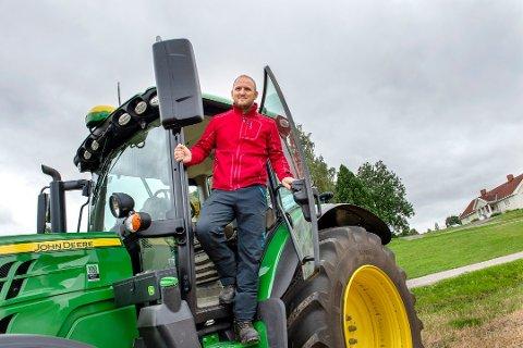 MER PENGER: Landbruks og matminister Jon Georg Dale åpner mer på lommeboka i løpet av året. Foto: Brynjar Eidstuen