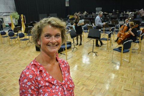 GØY PÅ KONSERT: Hege B. Midthun fra Elverum ble imponert og berørt av Ungdomssymfonikerne på populærkonserten onsdag.