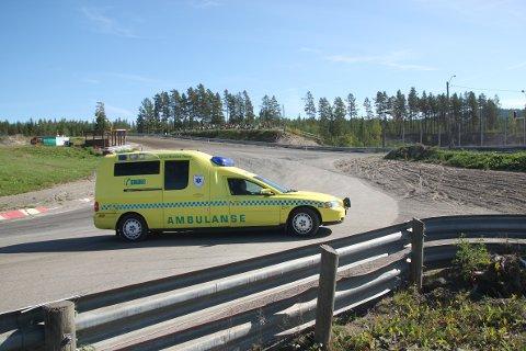 SYKEHUS: Martin Sveen ble ført til sykehus etter smellen.