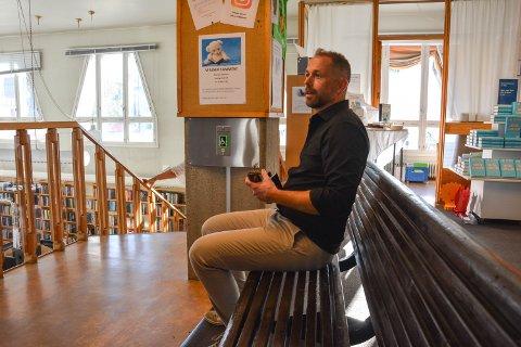 STENGER IKKE HELT NED:  - Vi som jobber i kirken vil være tilgjengelig for folk som ønsker å komme innom for samtale, sier prost Ole Kristian Bonden i Sør-Østerdal prosti.