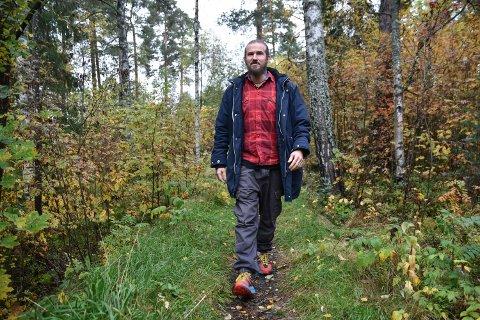 SKOG OG MARK: Elverums første erfaringskonsulemt, Simon Johansen,  finner roen i skog og mark.