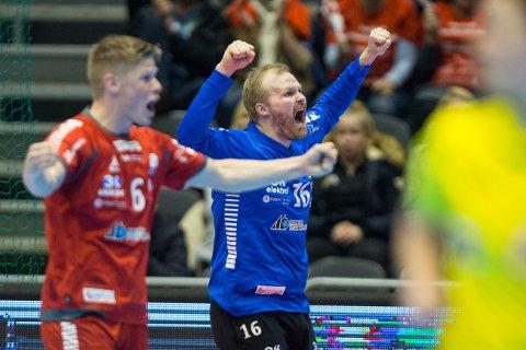 Haslum-keeper Trond Tjemsland var god da Drammen ble slått ut av cupen, og etterpå trakk han selv semifinalemotstander FyllingenBergen. Her er han fra en tidligere kamp.