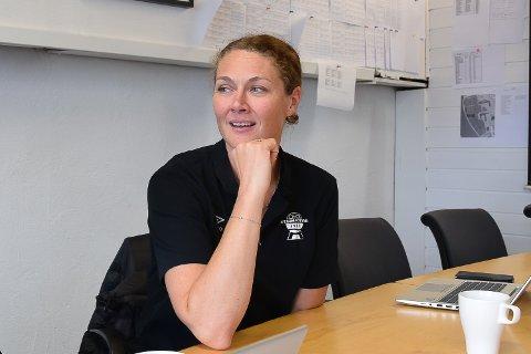 TRO PÅ FRAMTIDEN: Styreleder i Elverum Fotball, Stine S. Skjæret, er trygg på at hun og styret har startet en endringsprosess som skal gagne både A-laget og kubben.