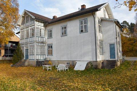 Gammelt: Er huset i Gammelgata 6 så gammelt at det bør bevares, eller så gammelt at det må rives?