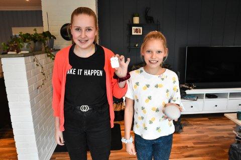 SPARING: Tuva (til venstre) og Tilda Røinaas har spart opp penger til å kjøpe henholdsvis AirPods og Google Home.