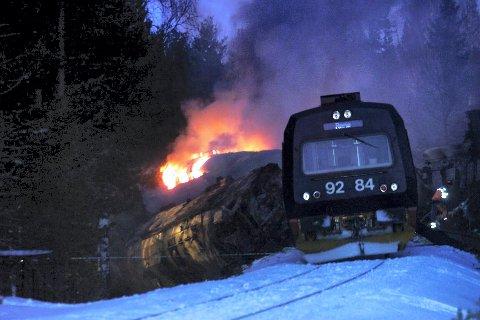 ÅSTA-ULYKKEN:  4. januar 2000 kolliderte to tog på Åsta i Åmot. 19 personer omkom. (Foto: Cornelius Poppe, NTB Scanpix)