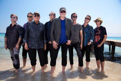 LEGENDER: Beach Boys har holdt på i 50 år. Nå kommer bandet til Tjuvholmen.