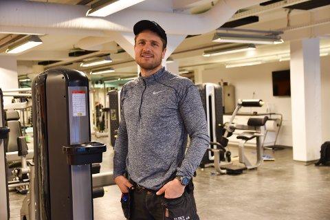 LETTET: Innehaver av Paulsbyen Gym, Robert Paulsbyen er lettet over at han kan holde dørene åpne etter innstrammingene som ble presentert torsdag formiddag.