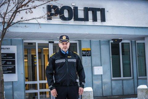KONTROLLER HELE TIDEN: Hver dag kjører UP fartskontroller. Her er distriktsleder Kai Voldengen.
