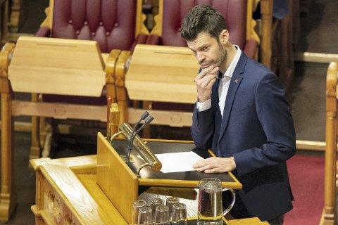 I STORTINGET: Bjørnar Moxnes (Rødt) har løftet sykehussaken inn i Stortinget, der han ber om at nullalternativet skal utredes.