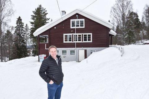 SLUTT ETTER 70 ÅR: Husmorlagets Hus var Hedmarks første barnehage. Nå er det slutt. Styreleder i stiftelsen som er eier, Svein Arild Nyhus, er åpen for innspill til hva huset kan brukes til.