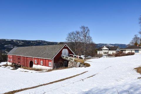 ØVRE SJØLIE GÅRD: Sylli Skog AS har kjøpsavtale på Øvre Sjølie gård i Rendalen. Kommunen og nå Fylkesmannen har avvist at aksjeselskapet skal få konsesjon.