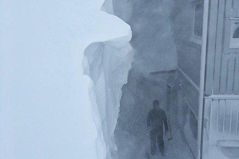 NOK SNØ: – Det kommer en del spørsmål om snøforholdene, så vi tror dette bildet kan oppklare en del spørsmål, skriver Riksgränsen i billedteksten til dette bildet på Facebook.