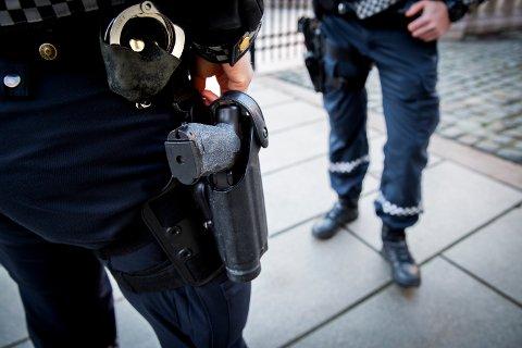 Bakgrunnen for bevæpningen er ordren om bevæpning som er sendt til alle politidistriktene fra Politidirektoratet. Foto: Erlend Aas / NTB scanpix