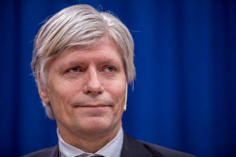 Klima- og miljøminister Ola Elvestuen vil i tillegg til et forbud mot flere engangsartikler i plast, se på tiltak mot andre engangsartikler som utgjør et miljøproblem.