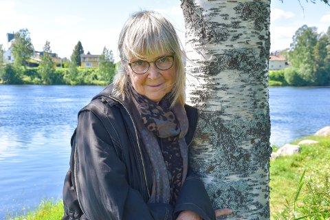 NY BOK: Britt Karin Larsen har kommet med ny bok i vår, Berøringen.