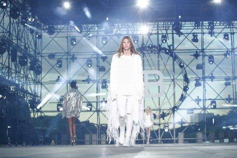 FASHION WEEK: Preben Helleberg fra Elverum jobbet som modell under fashion week i Paris.