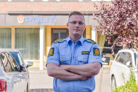 DELER BEKYMRINGEN: Leder for forebyggende enhet i politiet i Elverum, Bjørn Mjølstad, deler barnelegenes bekymring om alkoholforbruket i til 15-16-åringene i Elverum.