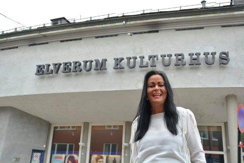 FÆRRE BESØKENDE: Kulturhusleder Mette Kynsveen opplyser at det var færre besøkende på kino i Elverum i september i år enn i september i fjor på grunn av færre storfilmer.