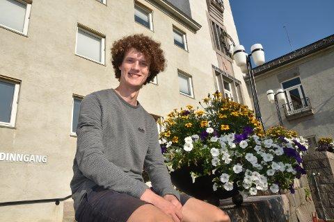 Ap: Vebjørn Skirbekk Sagmoen (18) har veldig lyst på en kommunestyreplass.