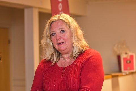 KUN VALGTEKNISK: – Ap har skrevet under på en valgteknisk samarbeid med SV og Frp. Siden vi ikke har flertall, er vi nødt til å samarbeide med andre, sier Lillian Skjærvik.