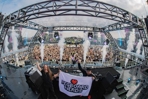 POPULÆRE: Pegboard Nerds er store i utlandet. Her fra en konsert i Seoul i Sør-Korea.