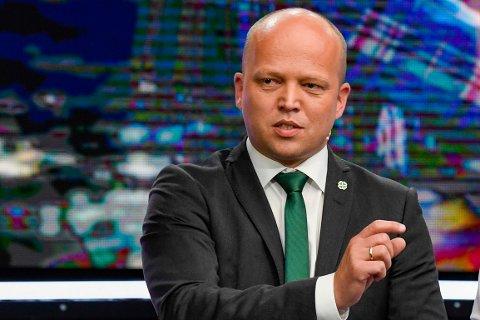 KRITIKK: Trygve Slagsvold Vedum (Sp) fikk kritikk fra Siv Jensen (Frp) under partilederdebatten onsdag.