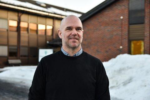 NY PÅ JOBBEN: Roar Vestad har begynt å jobbe i Åmot kommune.