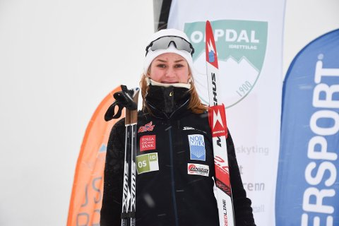 NYTT VM-GULL: Maren Bakken sikret seg selv og det norske stafettlaget gullmedaljen med en god sisteetappe under staffeten i junior-VM tirsdag.