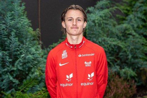 FOR NORGE: Daniel Dalehaug fra Elverum Fotball har vært på landslagssamling. Der fikk han blant annet tips fra Kristoffer Ajer, som er en av profilene på A-landslage.t