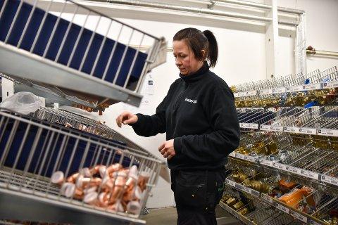 RØRLEGGER: Stine Øie startet å jobbe på Amundrud VVS i januar.