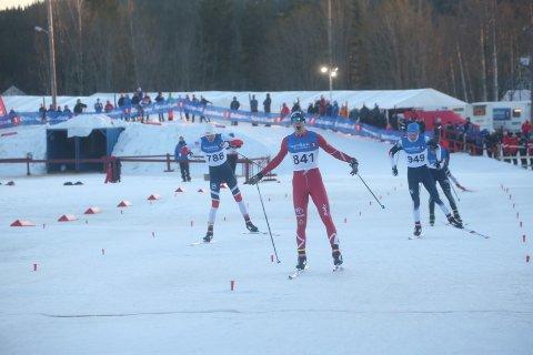 VINNEREN: Petter Solhaug Sæter går inn til gull på sprinten under Hovedlandsrennet i skiskyting.