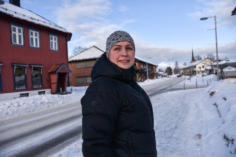 DATTER: Susanne Sandsengen Darells datter ønsker å bli frisør.