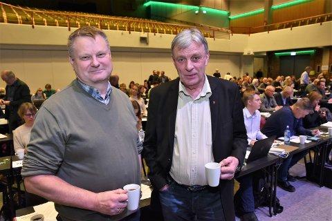 ØST ER BEST: - Hele Østerdalen er best tjent med en østlig jernbaneløsning i Hamar, sier Sp-ordfører Even Moen, Stor-Elvdal og tidligere varaordfører i Elverum, Arnfinn Uthus. Her fra fylkesårsmøtet i Hedmark Sp.