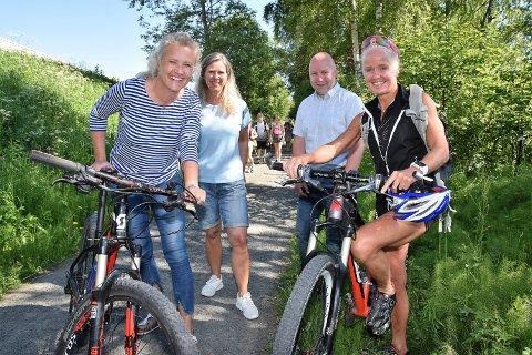 SYKKELSOMMER: – Nå blir det SommerBirken i to måneder, sier Randi Bolstad, Anne-Lise Borgundvaag, Knut Vigdal-Olsen og Ragnhild Bolstad.