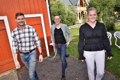 ULIK OPPLEVELSE: - Saken min blir aldri borte. Derfor var det helt uaktuelt å søke gjenvalg, sier Høyres Kristian Tonning Riise (i midten). Nils Kristen Sandtrøen (Ap) og Emilie Enger Mehl (Sp) vil ha en ny periode på Stortinget.