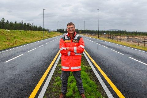LITT MELANKOLSK: Assisterende prosjektleder i SVV, Arne Meland, har jobbet med ny rv. 3/25 siden 2008. - Det er en milepæl å bli ferdig. så jeg er litt melankolsk, nesten, sier han, og smiler.