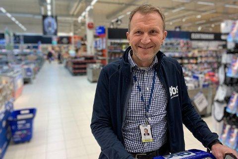FORNØYD: Lars Tendal, sjef i Obs, er veldig fornøyd med julitallene.  Foto: Halvor Ripegutu